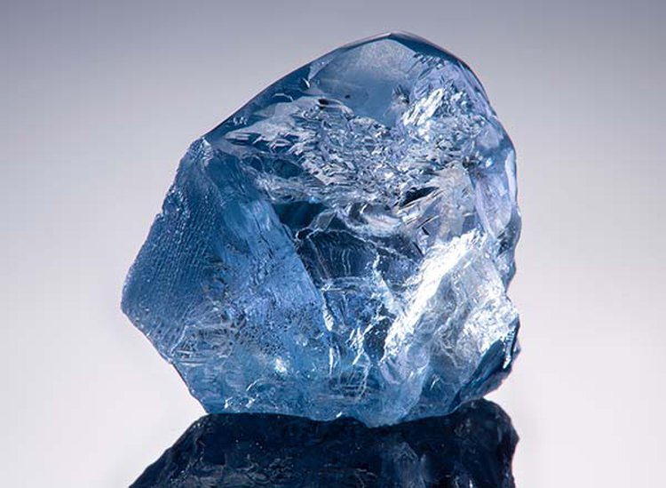 20.08-Carat Blue Diamond From Celebrated Cullinan Mine Sells for $14.9 Million